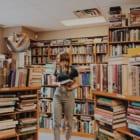 """オンラインで「地元の小さな書店」から本が買える。コロナ禍のアメリカで生まれた """"Bookshop"""""""